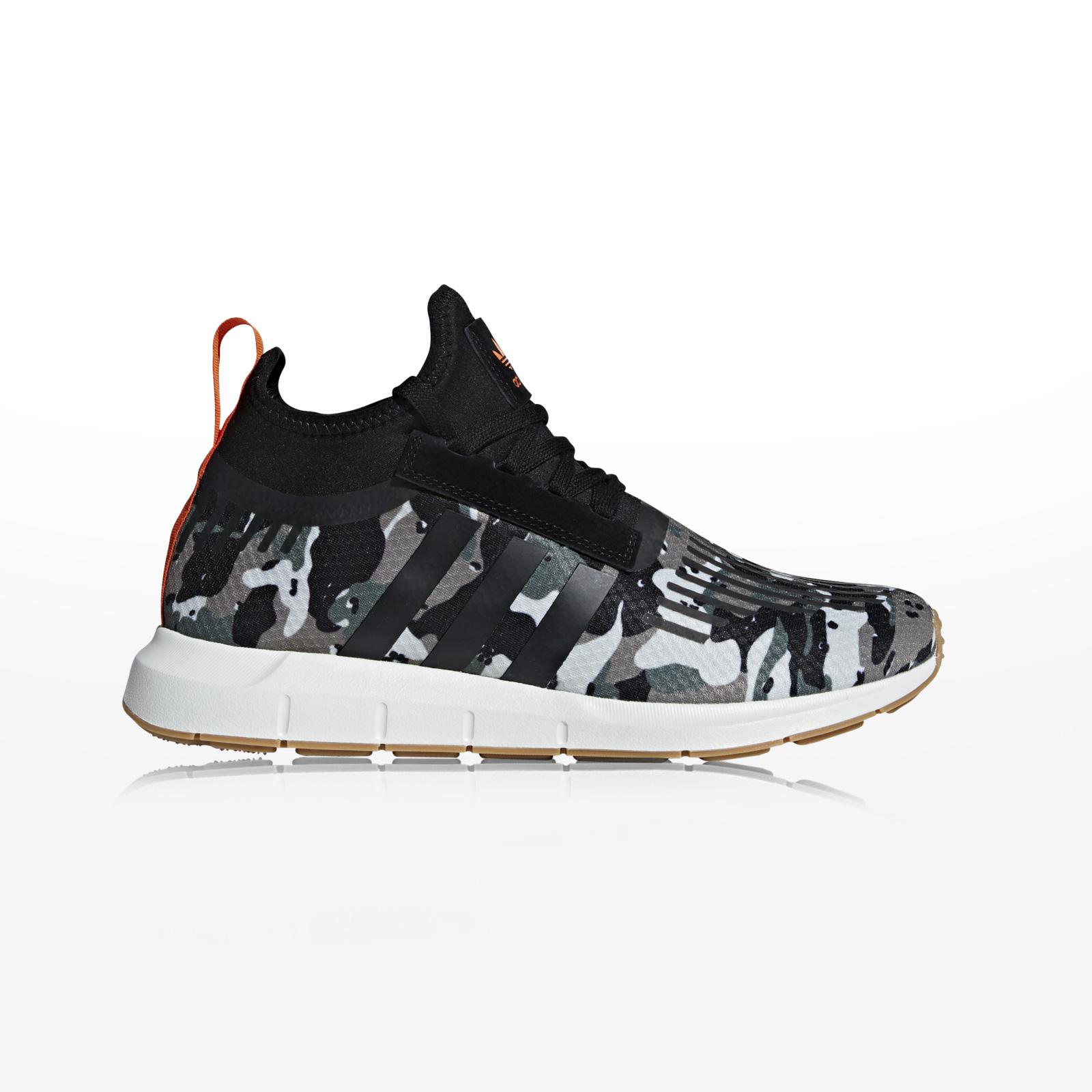 -50% Sportcafe adidas Originals – SWIFT RUN BARRIER – TRACAR CBLACK ORANGE 475a45b5137