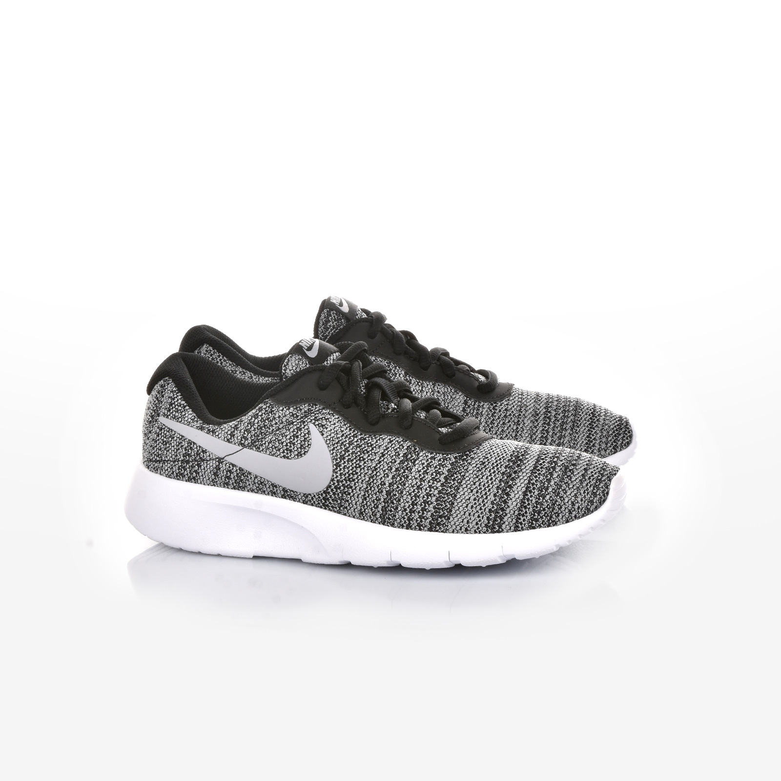 Sportcafe Nike – NIKE TANJUN (GS) – BLACK WOLF GREY-WHITE 5606e706f39